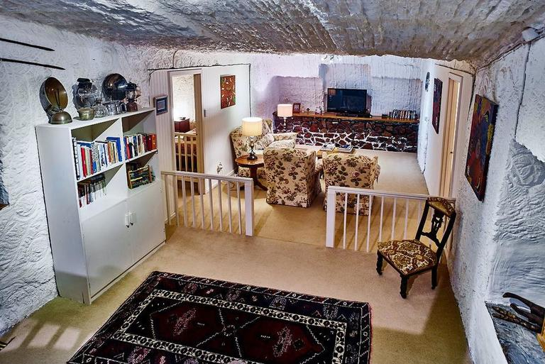 Underground Bed & Breakfast Coober Pedy Accommodation