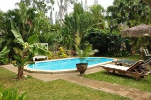 Les Cases de Plum Pool and Garden