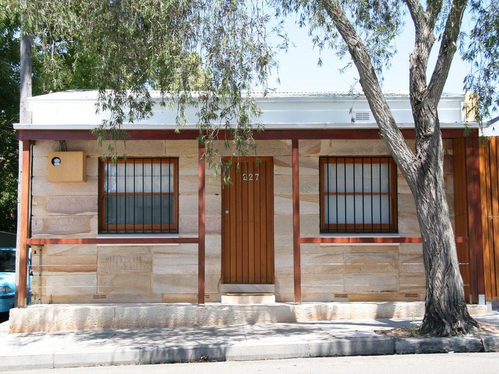 Australia Street Cottage Sydney Staytopia