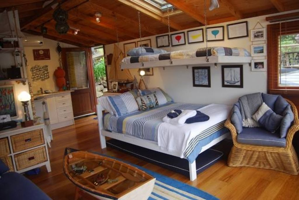 Salacia Boathouse beds