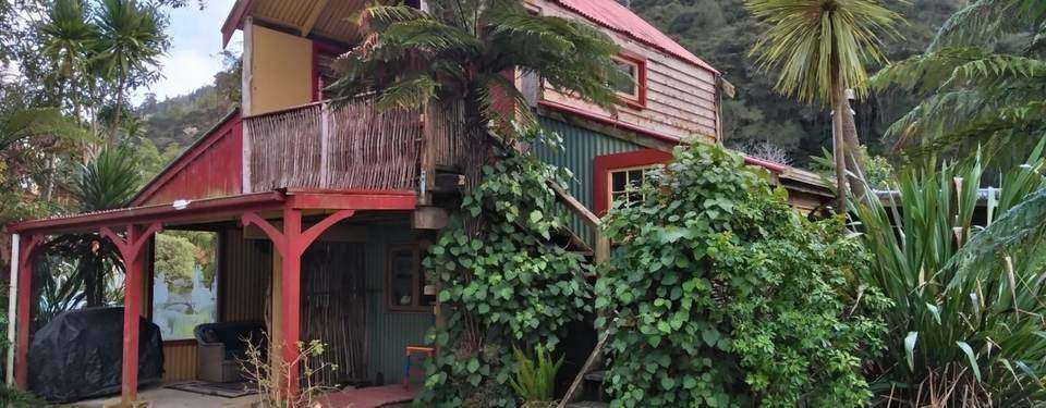 Unique Places to stay in New Zealand - The Flying Fox