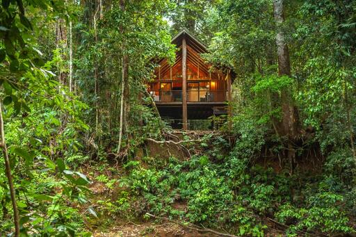 Treehouse accommodation in Queensland