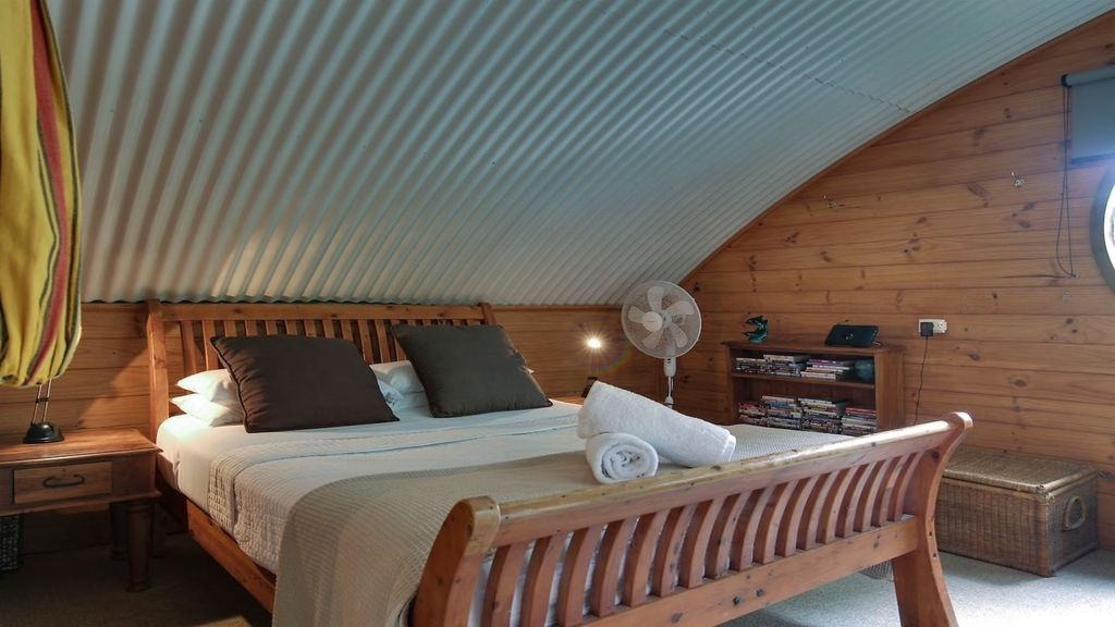 Absolutely Belongil Tree House Bedroom - Quirky Places to Stay in Byron Bay