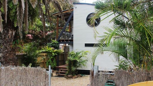 Absolutely Belongil Tree House - Quirky Places to Stay in Byron Bay
