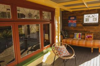 Pohutukawa Cottage Deck - Kaikoura Accommodation