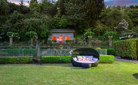 Black Swan Lakeside Boutique Hotel Gardens - unique accommodation Rotorua
