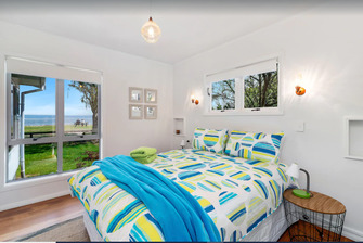 Hannahs Bay Waterfront Getaway Bedroom - unique and boutique Rotorua accommodation