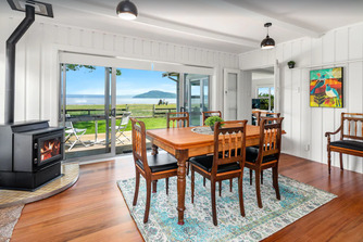 Hannahs Bay Waterfront Getaway - unique and boutique Rotorua accommodation