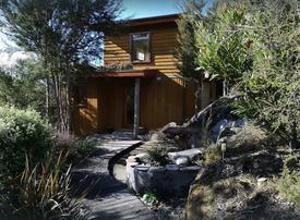 Unique eco home - treehouse retreat