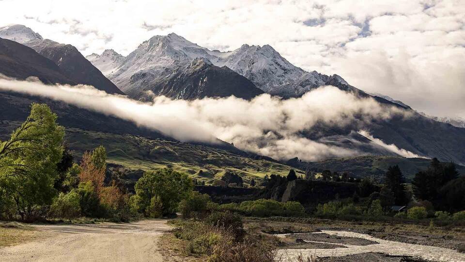 Camp Glenorchy Eco Retreat Mountains