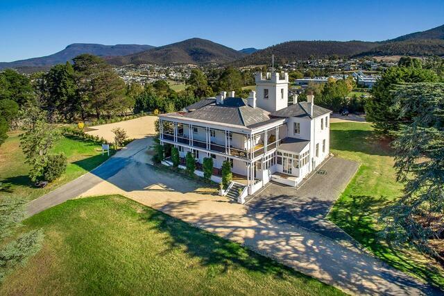 Claremont House Hobart - Heritage and Luxury Hobart Accommodation