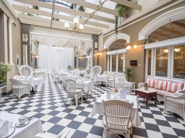 Hadleys Orient Hotel Atrium Bar and Restaurant