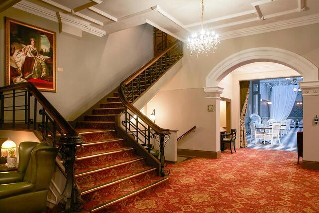 Hadleys Orient Hotel Staircase