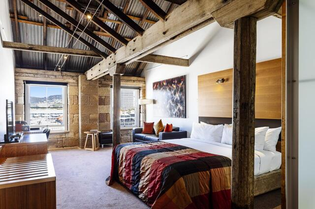 Henry Jones Hotel Suite - Heritage Tasmania Hotel