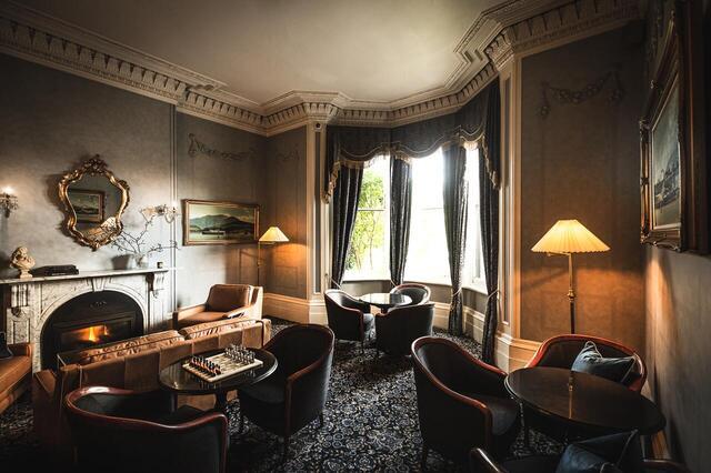 Lenna of Hobart Lounge