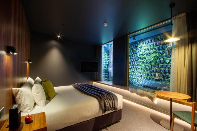 Moss Hotel Room - Heritage Tasmania Hotel