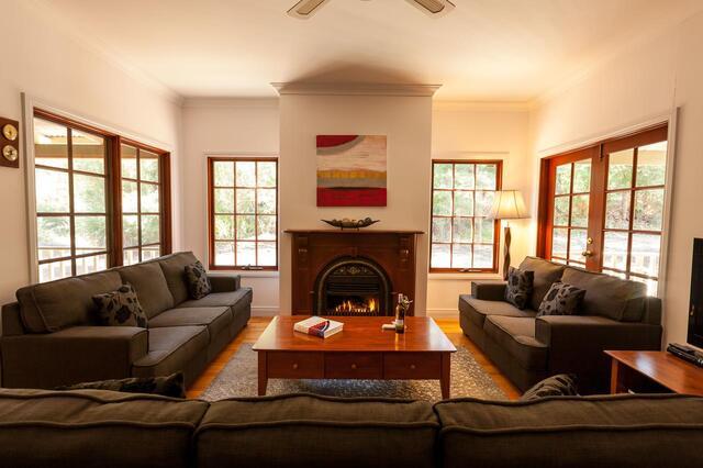 Riverglen Chalets Lounge - Eco Margaret River Accommodation