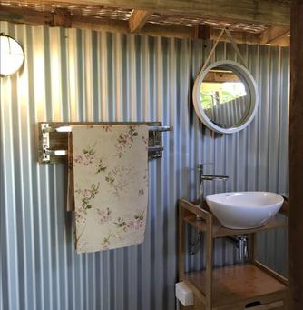 Eco Stay NSW - Tiny Boathouse Bathroom
