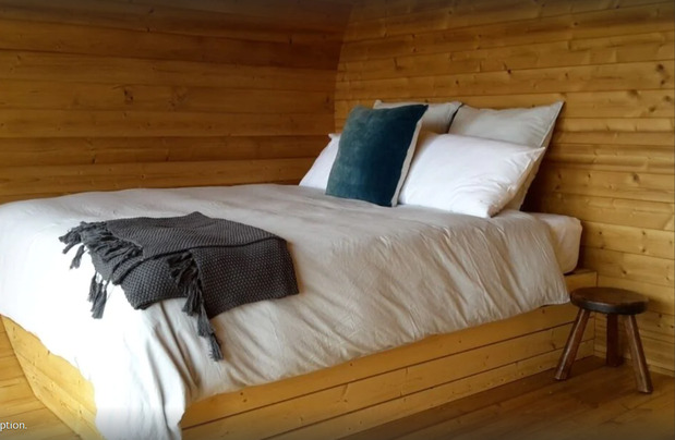 Gladstone-Glamping-Hut-Bed-Glamping-Near-Wellington